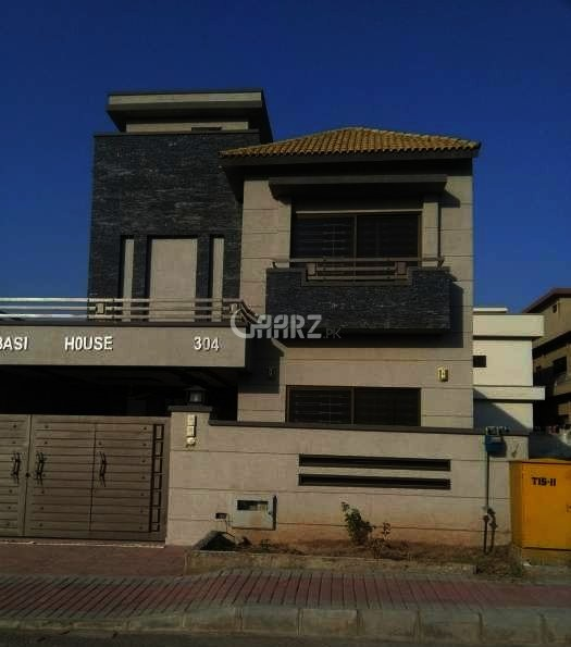 10 Marla Well Old Bungalow Near National Hospital DHA Phase 1, Lahore