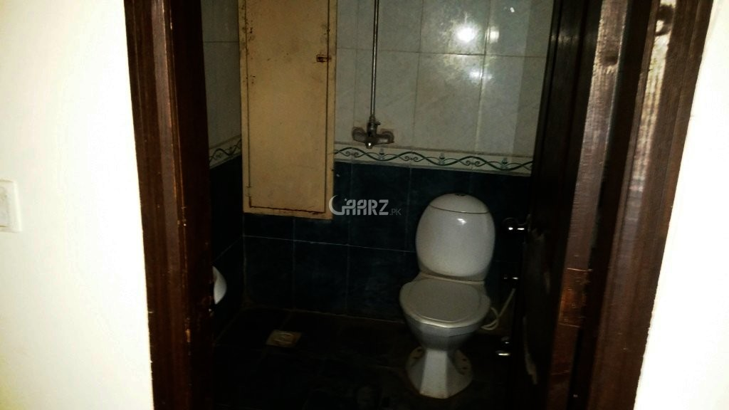 1400 Square Feet Flat For Sale In E-11, Islamabad