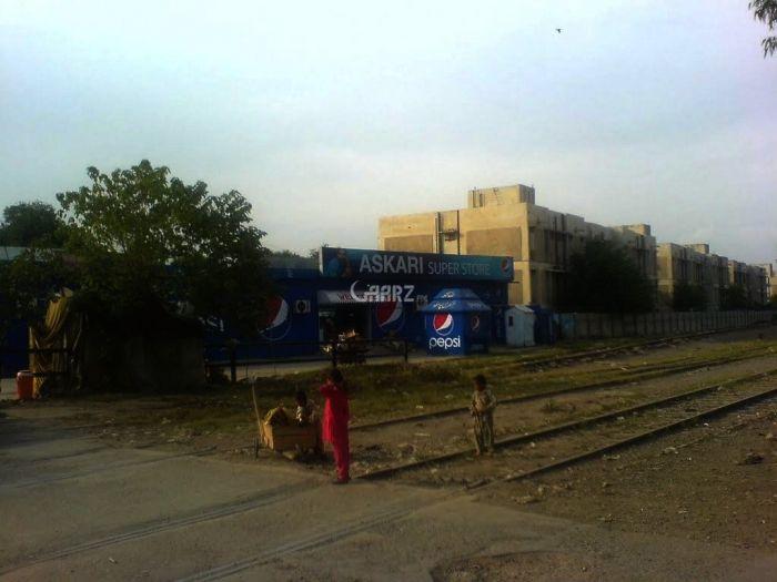 15 Marla Commercial Property Available At Nishterabad, Peshawar