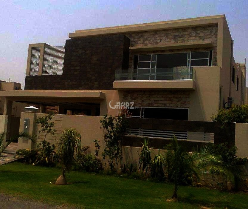 24 Marla Bungalow For Sale In PECHS-2, Karachi.