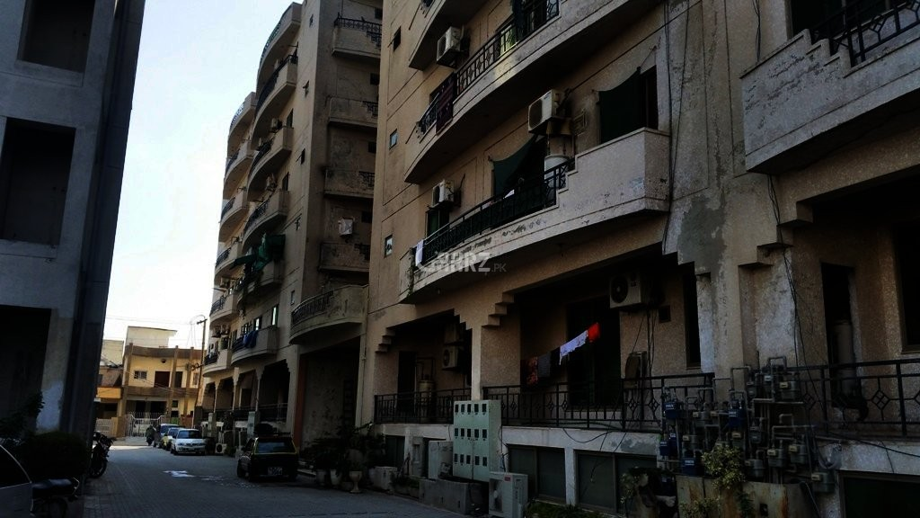 2400 Square Feet Flat For Sale In E-11, Islamabad
