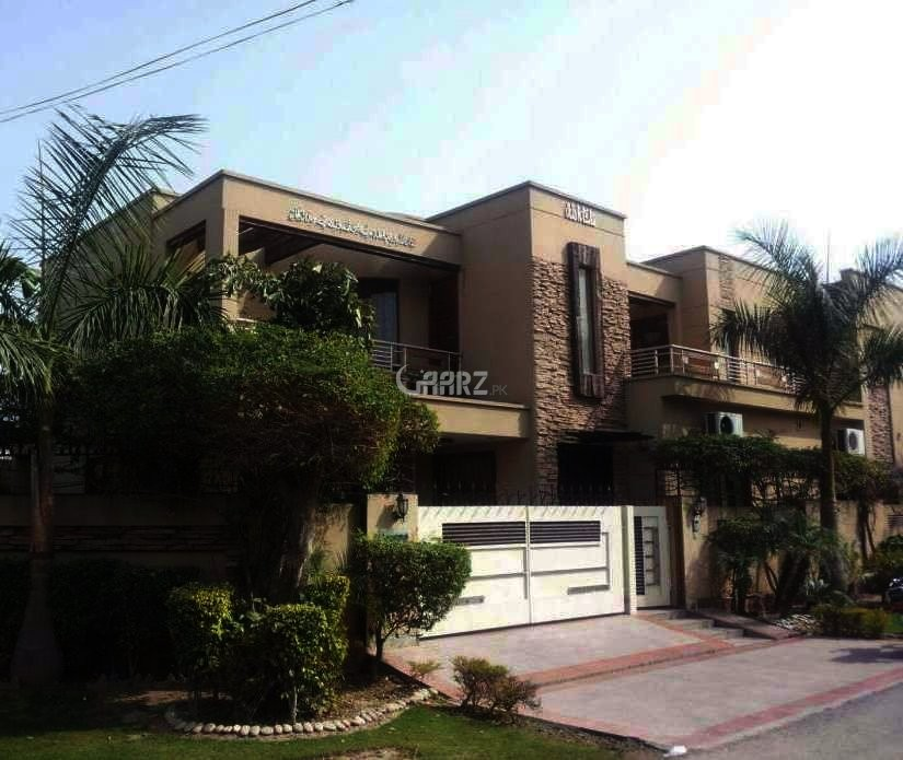 25 Marla Bungalow For Sale In  Garden Town Lahore