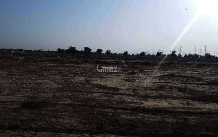 7831 Sq yards Plot For Sale In Bahadurabad, Karachi.