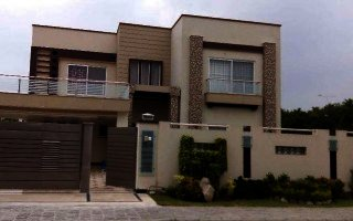 8 Marla House For Rent In n Bahria Town Lahore