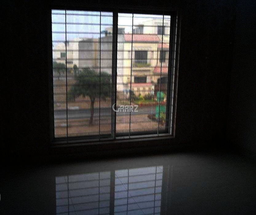 8 Marla House For Sale In Bahria town 8 , Lahore