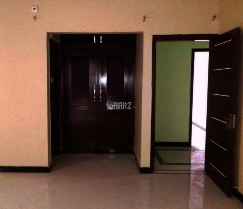 950 Square Feet Flat For Rent In Ittehad commercial