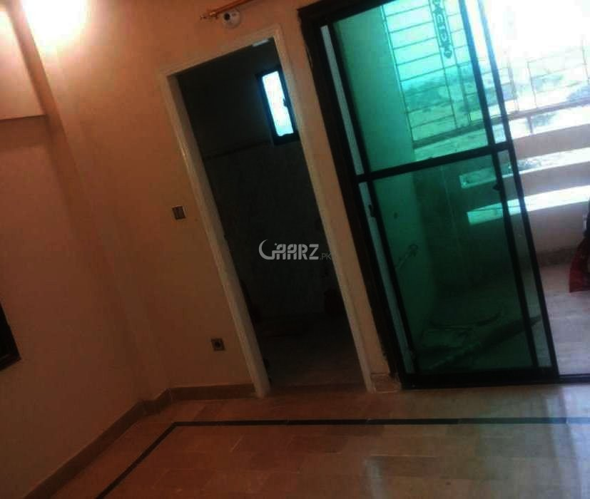 4.24 Marla Apartment For Rent In Nishat commercial, Karachi