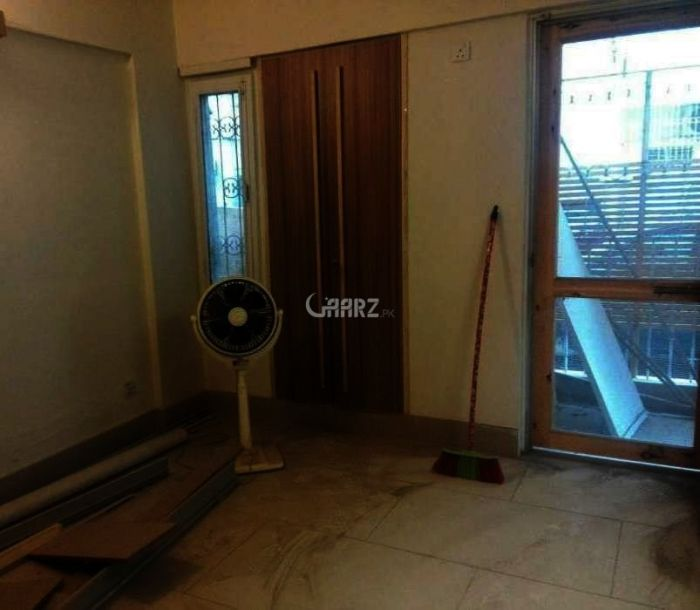 980 Square Feet Flat For Sale In PECHS-1, Karachi.