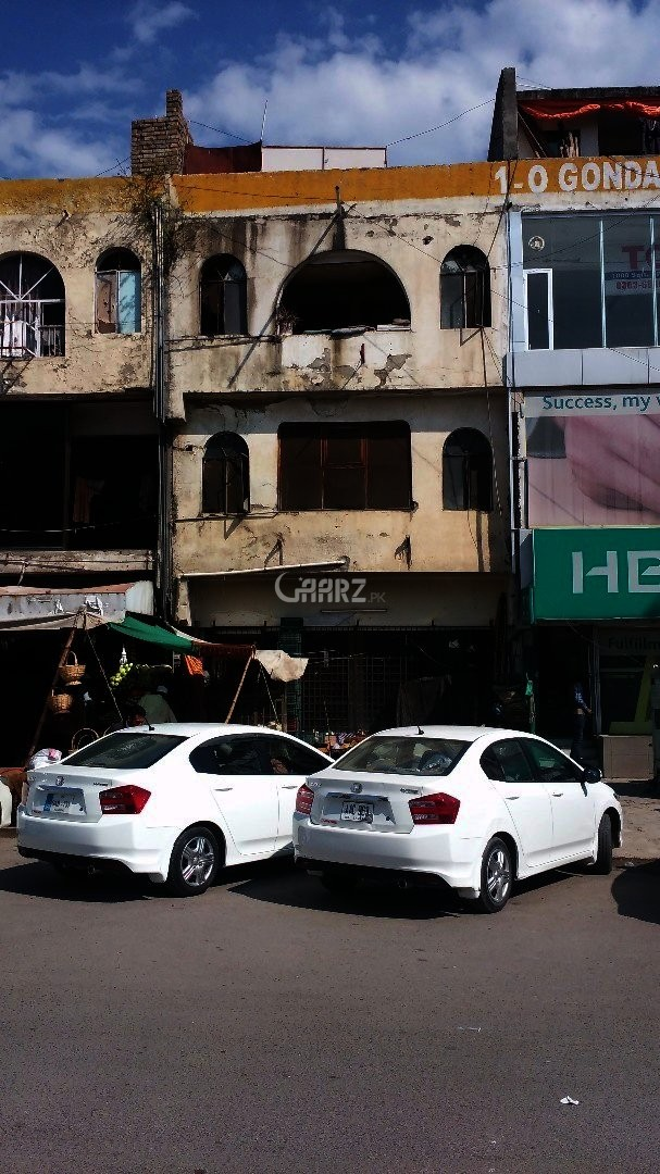 G 11/ MARKAZ G FLOOR 11 X 33 SHOP FOR RENT.