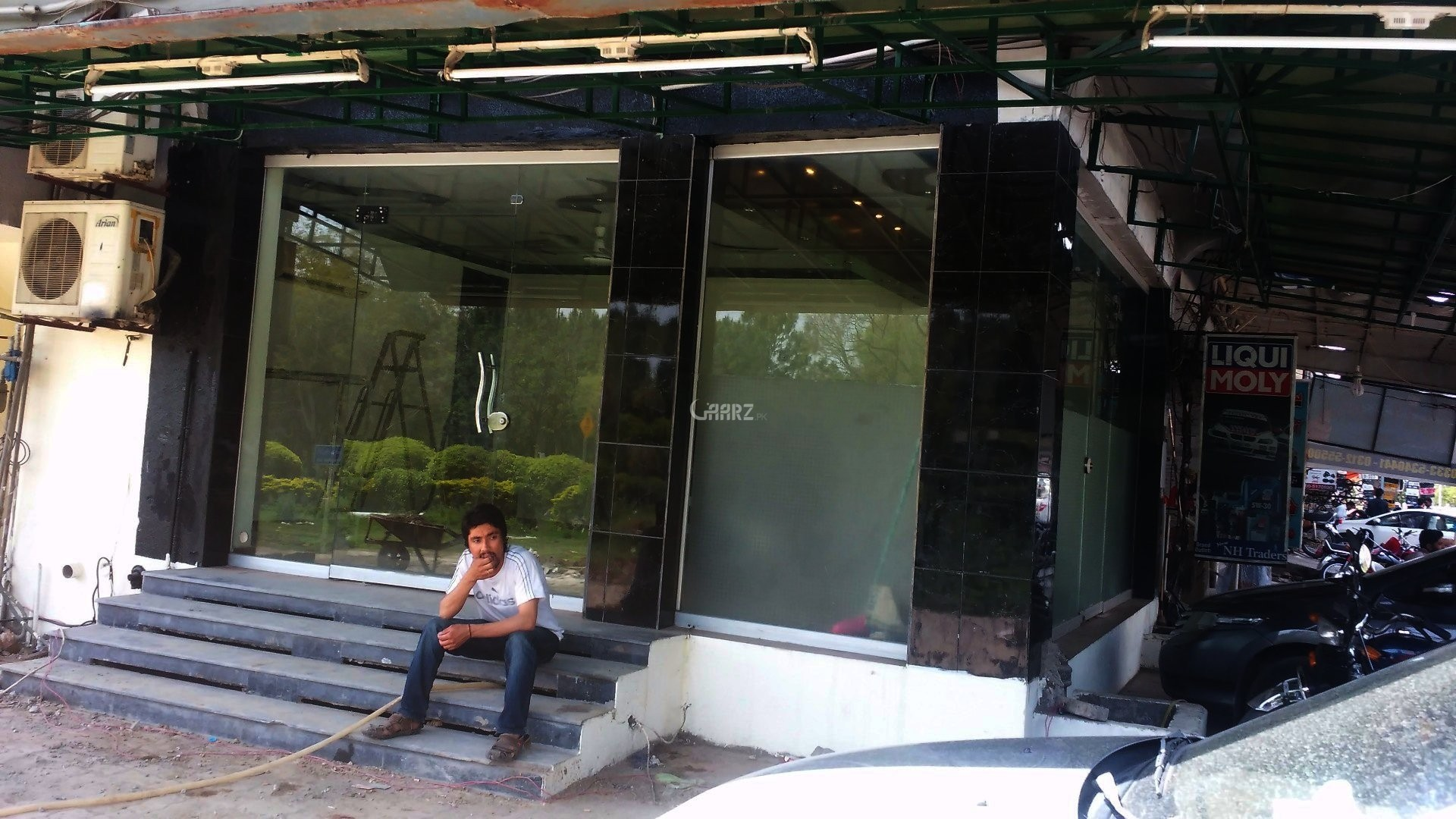 320 Square Feet Shop For Sale In G/9 Markaz, Islamabad