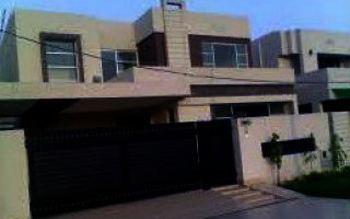 10 Marla House For Rent In Bahria Town Phase-8, Rawalpindi
