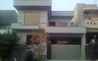10 Marla House For Sale In Bahria Town - Jasmine Block, Lahore