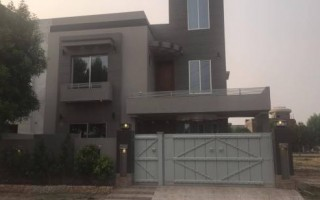 10 Marla House For Sale In Bahria Town - Tulip Block, Lahore