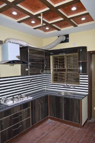 10  Marla  Upper Portion  For  Rent  In Canal Park   Faislabad