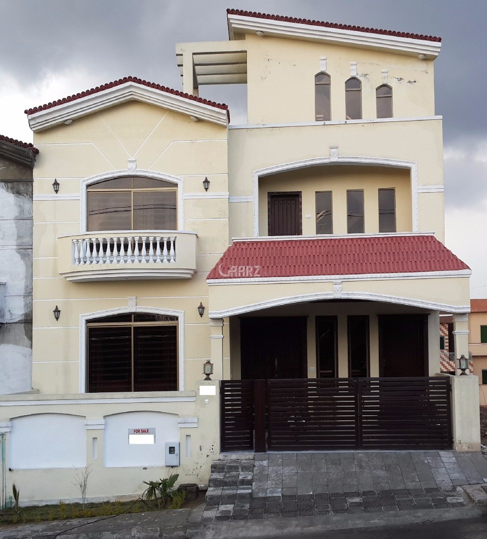 10 Mrala House For Sale In Iqbal Town Moon Market, Lahore