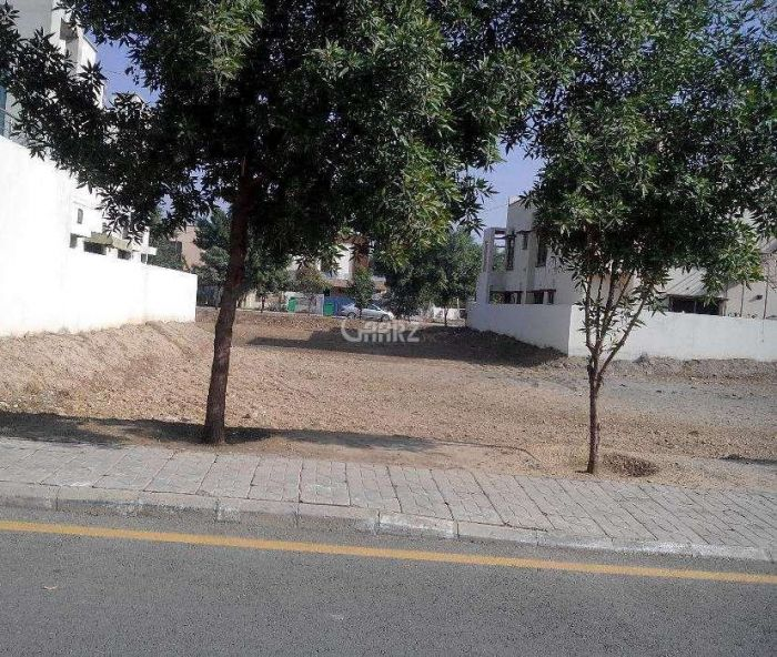 3 Marla Plot For Sale In Royal Garden, Lahore