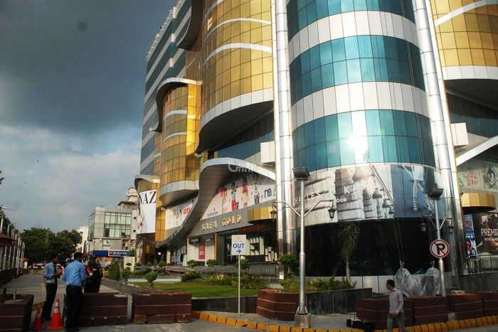 3000 Square Feet Commercial Building for Sale in Lahore College Road