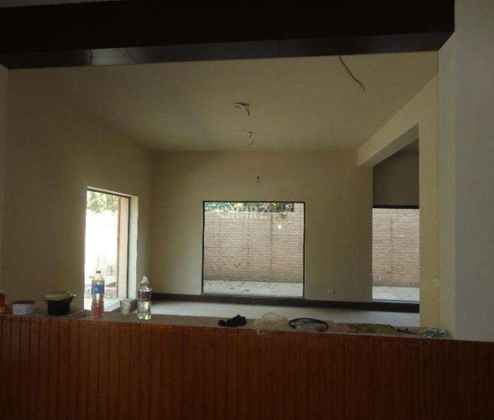 3650 Square Feet Flat For Rent In DHA Phase 8,Karachi