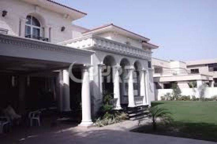 65 Marla Bungalow For Sale In Bahria Town - Sector B. Lahore.