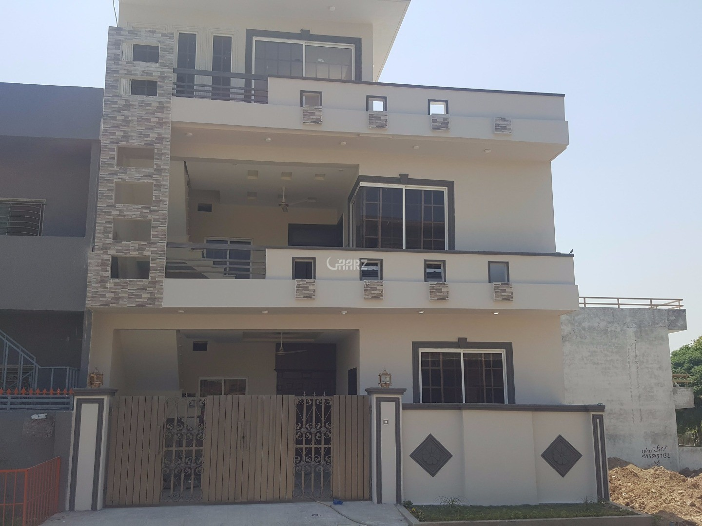 2 Pair Plots for Sale