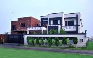 8 Kanal House For Rent In Gulberg, Lahore