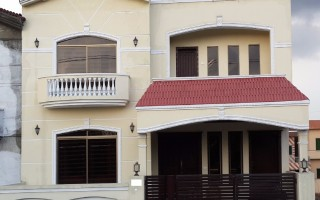 9 Marla House For Sale In Bahria Town - Umar Block, Lahore