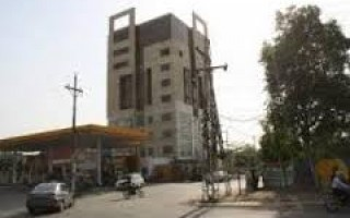 900 Square Feet Plaza For Rent In Model Town Link Road, Lahore