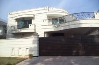 10  Marla  House  For Rent  In G-13, Islamabad