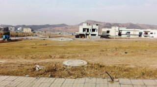 10 Marla Plot For Sale In Bahria Town