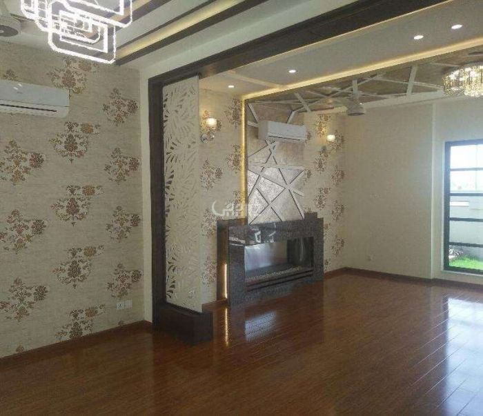1560 Square Feet Flat For Sale In Shaheed Millat Road