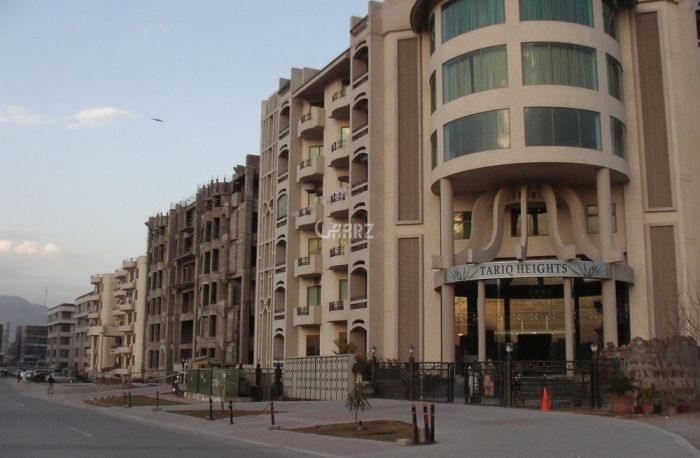 2100 sq ft Flat for Rent In F-11, Islamabad.
