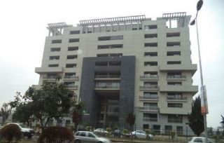 2100 Square Feet Flat For Sale In F-10, Islamabad.
