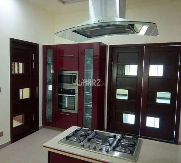 4 Kanal House is Available for Rent