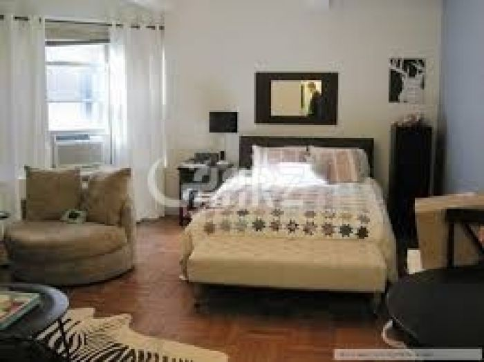 600 Square Feet Flat For Rent
