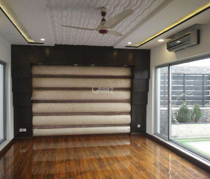700  Square Feet Flat For Rent In  F-10, Islamabad