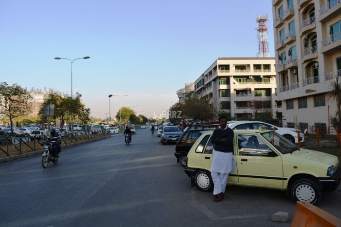 740 sq ft Flat for sale in F-11, Islamabad.