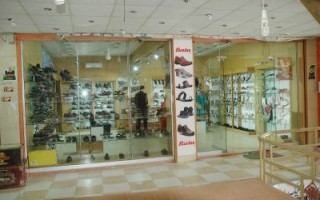 825 Square Feet Shop For Rent