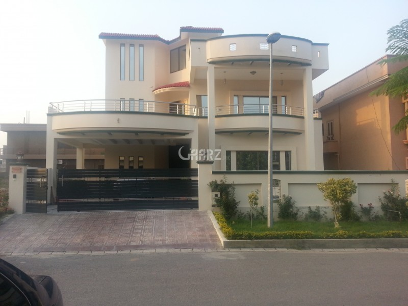 1 Kanal Well Maintained Bungalow For Rent In DHA Phase 5