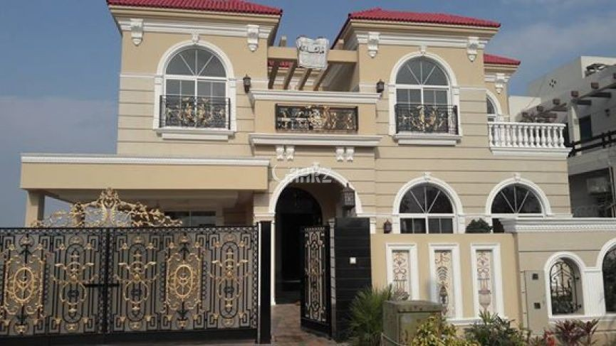 10 Marla Home For Rent In Block D, Bahria Town Phase 8, Lahore