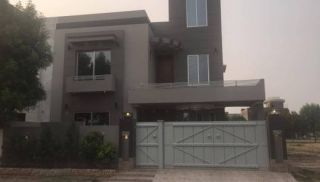 10 Marla House For Rent In Bahria Town  Iqbal Block,Lahore