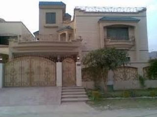 10 Marla House for Rent in Lahore Block D, DHA Phase-5,