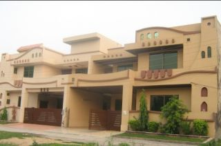 10 Marla House For Rent In DHA Phase-4 Block FF, Lahore