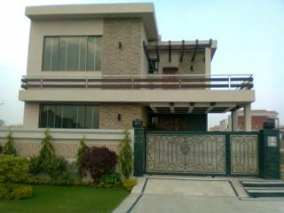10 Marla House For Rent In DHA Phase 5 Block F,Lahore.