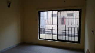 10 Marla Lower Portion for Rent in Islamabad E-11/4