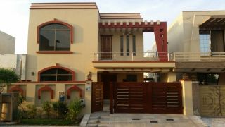 10  Marla  House  For  Rent  In  Gulraiz Housing Scheme, Rawalpindi