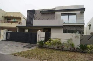 10 Marla House For Sale In Askari 11,,Lahore