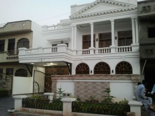10 Marla House For Sale In Block G, EME Society, Lahore