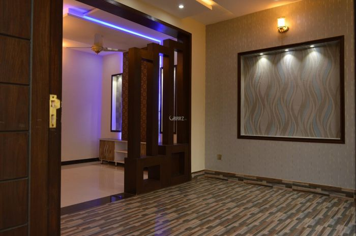 1015 Square Feet Apartment For Sale In F-8, Islamabad
