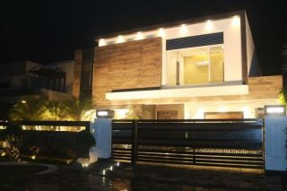 11 Marla House for Sale in Islamabad G-13/4,