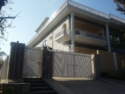 12  Marla Bungalow Portion  For Rent